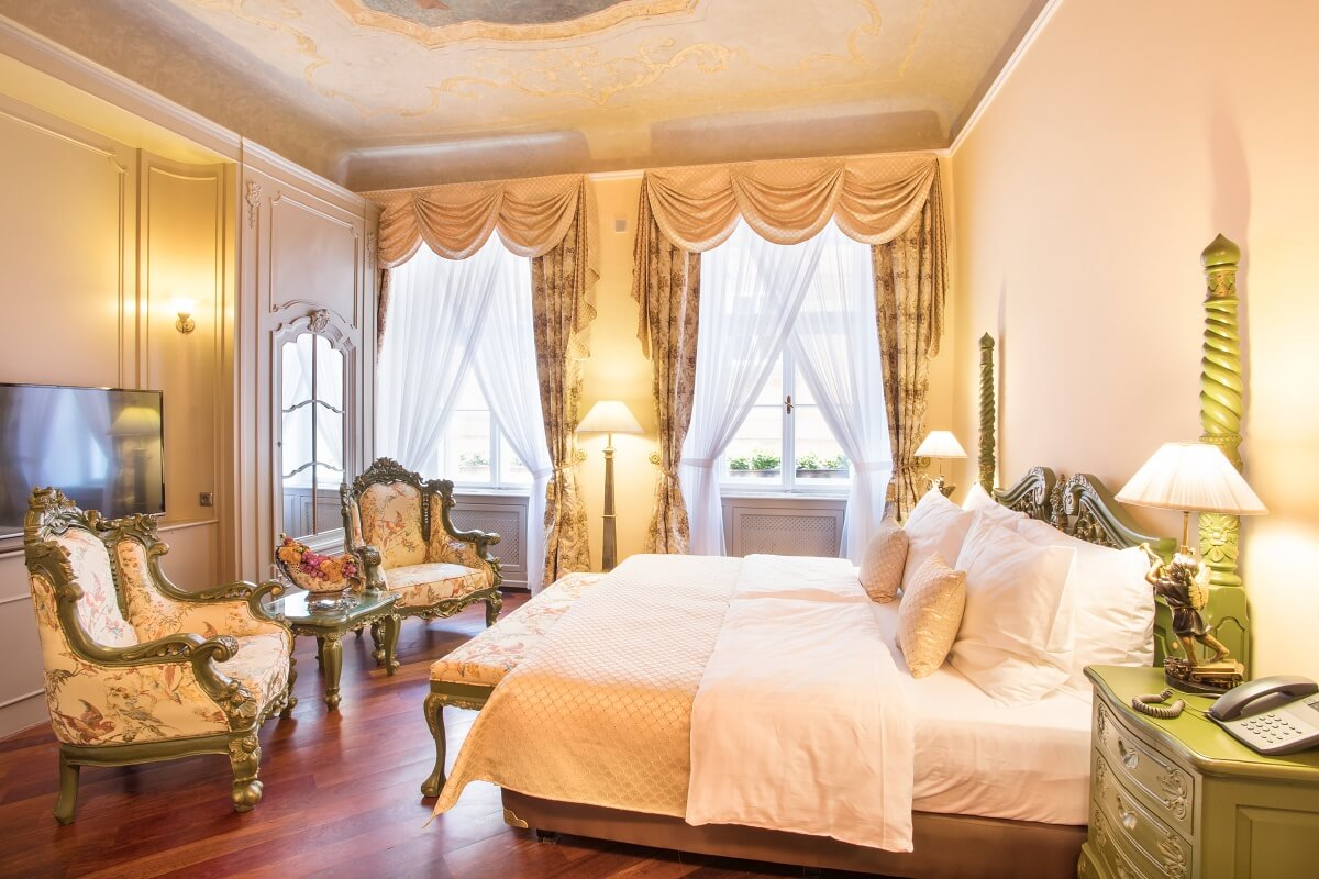 Romantic hotel suite for Prague trip with big bed