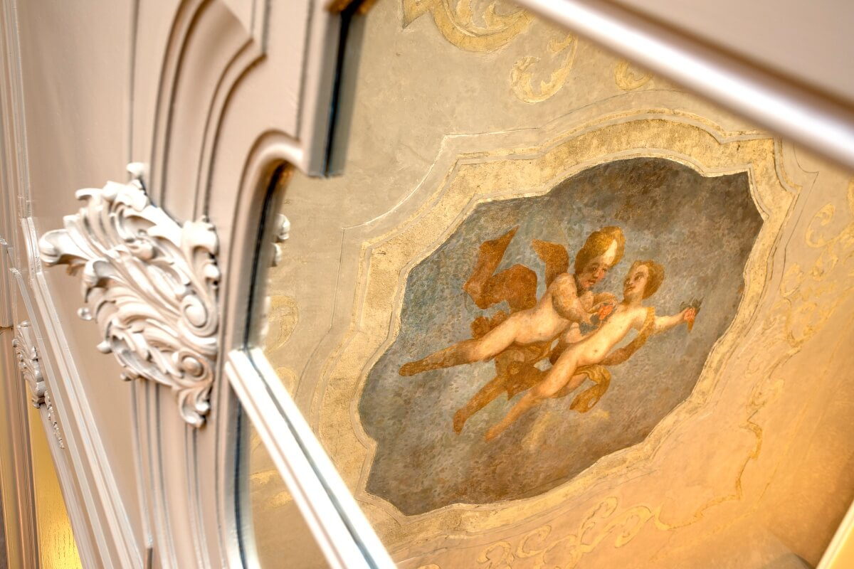 Hotel rooms with art, frescoes and painted ceilings